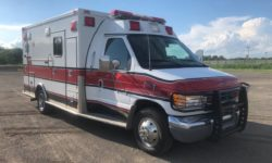1999 Ford Ambulance angle
